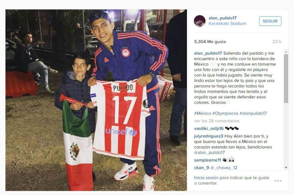 best service 04833 9f29c Olympiacos de Grecia - Alan Pulido se encontró a niño ...