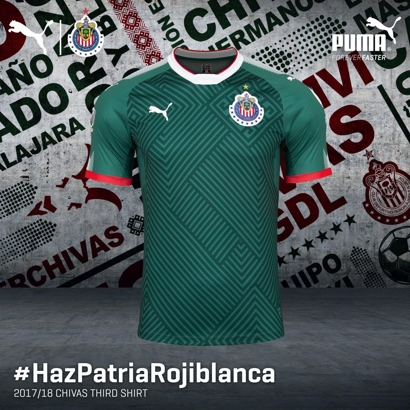 Chivas presenta nueva playera verde para el Apertura 2017 - AS México 1a9f5f500c6a9