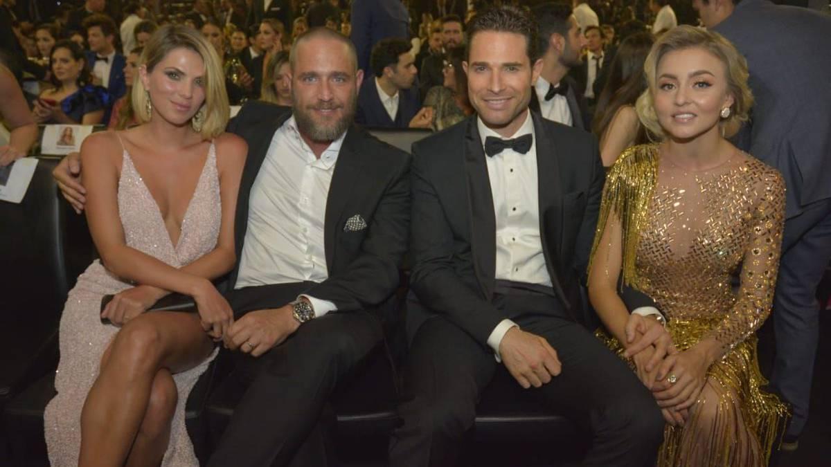 Angelique Boyer Se Pone Vestido Al Revés En Premios