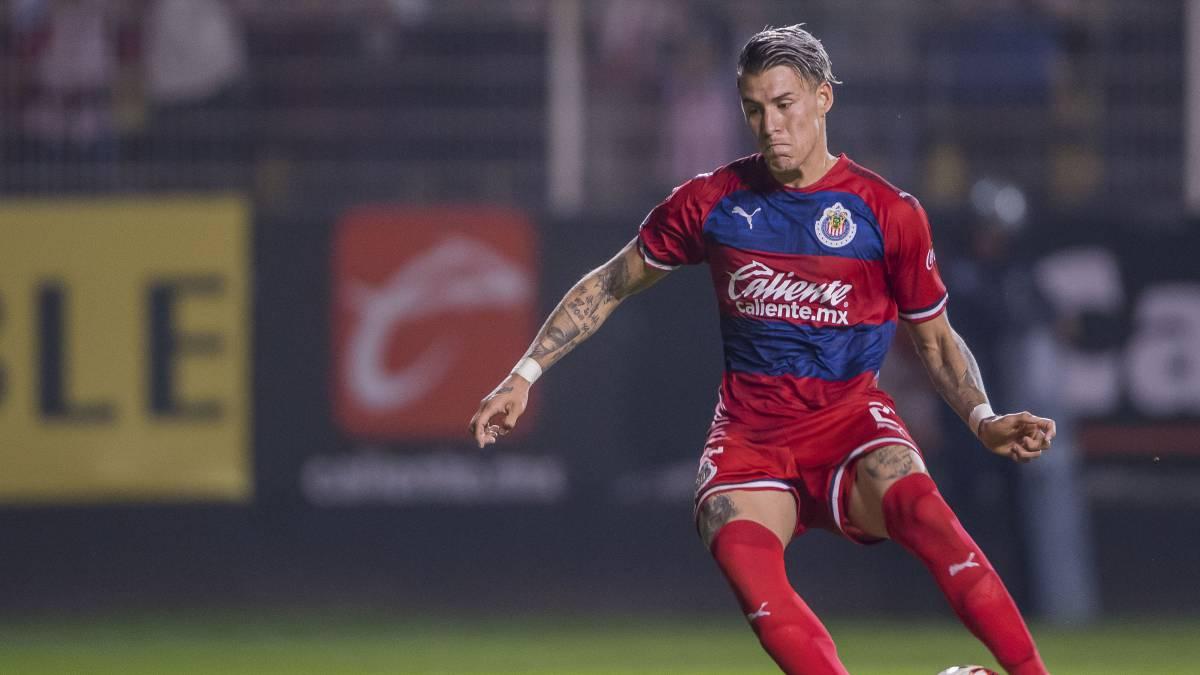 Cristian 'Chicote' Calderón es evidenciado en plena fiesta - AS México