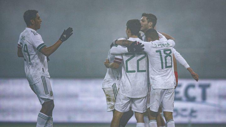 Selección Mexicana: Así fueron los goles de Rúl Jiménez y Chucky Lozano en  la neblina - AS México